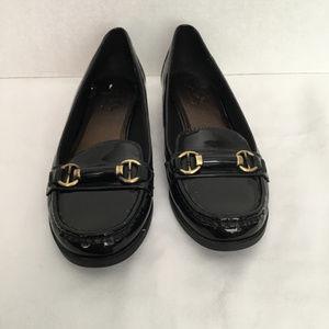 Life Stride Black Patent Leather Flats